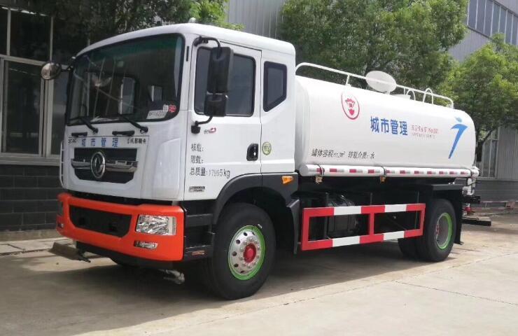 东风多利卡D9型12吨洒水车