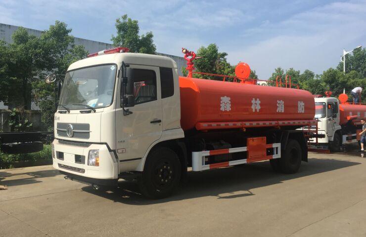 东风天锦10-12吨消防洒水车