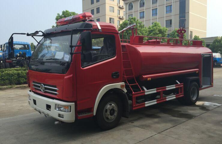 东风多利卡单排7吨消防洒水车